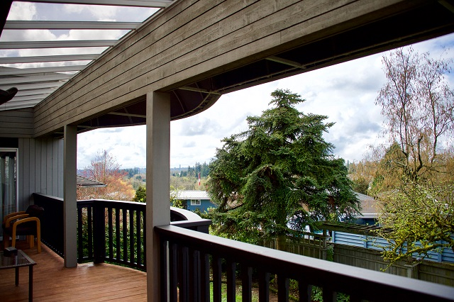 NWHPS 2018 Homes Tour Norman house back deck Photo credit: Paul Fuoco